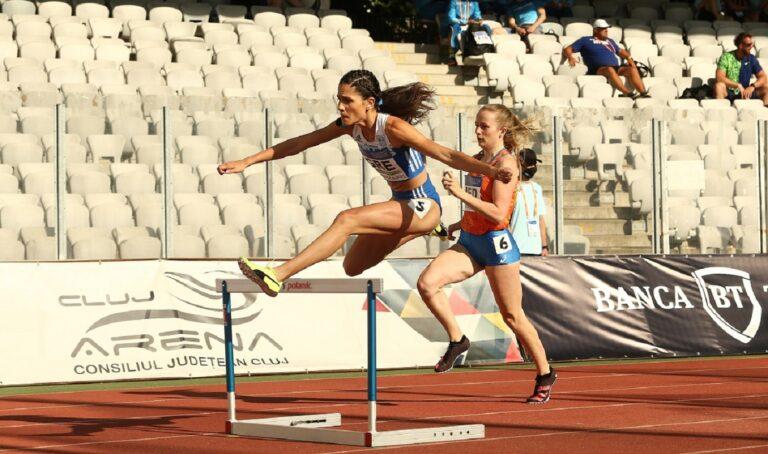 Η Δήμητρα Γναφάκη ήταν αναμφισβήτητα από τις αθλήτριες που άφησαν το στίγμα τους τη φετινή σεζόν με τις εμφανίσεις της στα 400μ. εμπόδια.