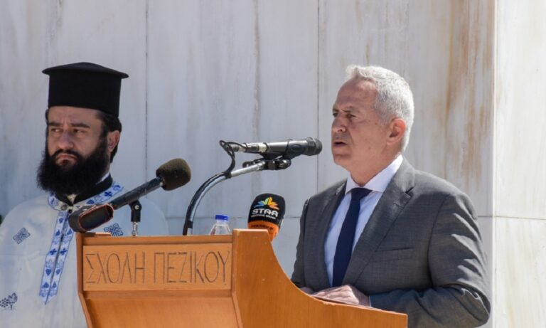 Μαξίμου για Αποστολάκη: «Δείλιασε μπροστά στις απειλές του ΣΥΡΙΖΑ»