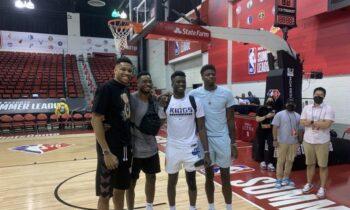 Τα αδέρφια Αντετοκούνμπο βρέθηκαν δίπλα στον μικρότερο τους αδερφό, που παίρνει μέρος στο Summer League του NBA.