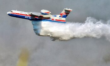 Beriev: Kάηκε το σπίτι του Έλληνα πιλότου - Το ήξερε αλλά προτίμησε να σώσει τα σπίτια άλλων