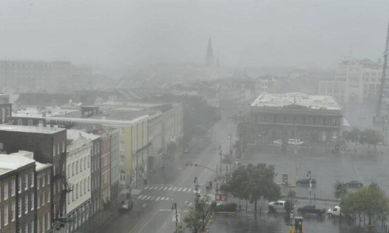 ΗΠΑ – Συναγερμός: Σαρώνει ο τυφώνας Άιντα – «Θα αυξηθούν οι νεκροί»