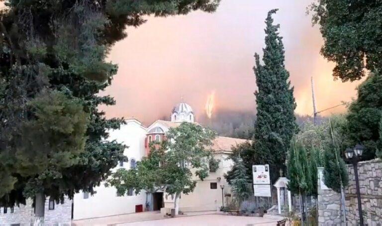 Φωτιά στην Εύβοια: Σώθηκε η Μονή του Οσίου Δαυίδ!