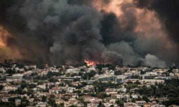 O πρόεδρος του ΟΑΣΠ Ευθύμιος Λέκκας, έκρουσε τον κώδωνα του κινδύνου για τους κινδύνους που υπάρχουν μετά τις πυρκαγιές.