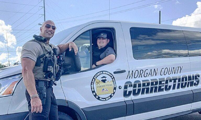 Viral: Βρέθηκε ο σωσίας του «The Rock» και είναι αστυνομικός