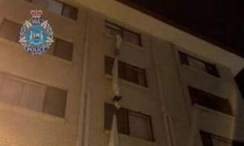Viral: Στην Αυστραλία ένας άντρας έφυγε από ξενοδοχείο υποχρεωτικής καραντίνας, με σχοινί από σεντόνια που έφτιαξε.