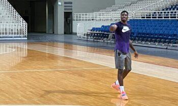 Ο Θανάσης Αντετοκούνμπο γυμνάζεται σκληρά στο ΟΑΚΑ ενόψει της νέας αγωνιστικής περιόδου στο NBA και ο Παναθηναϊκός τον παροτρύνει να συνεχίσει με τον ίδιο τρόπο.