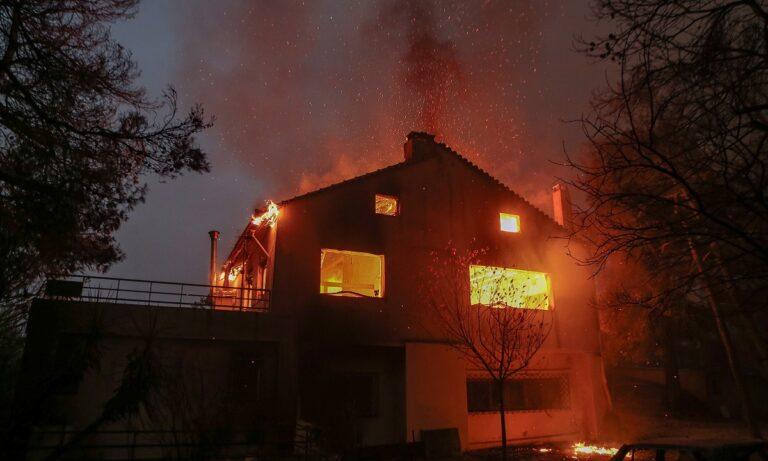 Φωτιά Αττική: «Εφιάλτης», η φωτιά πέρασε την Εθνική και κατευθύνεται προς Ωρωπό! – Εκκενώνονται πολλές περιοχές