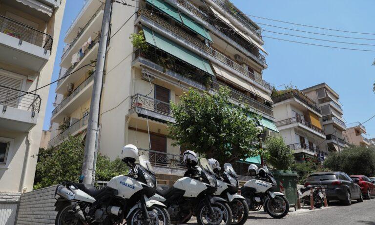 Έγκλημα στη Δάφνη: «Μέχρι και οι αστυνομικοί άκουγαν τον τσακωμό από το τηλέφωνο»
