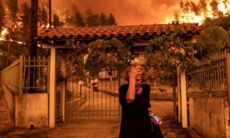 Μια εικόνα-1000 λέξεις: Η κραυγή απελπισίας 81χρονης πυρόπληκτης στην Εύβοια