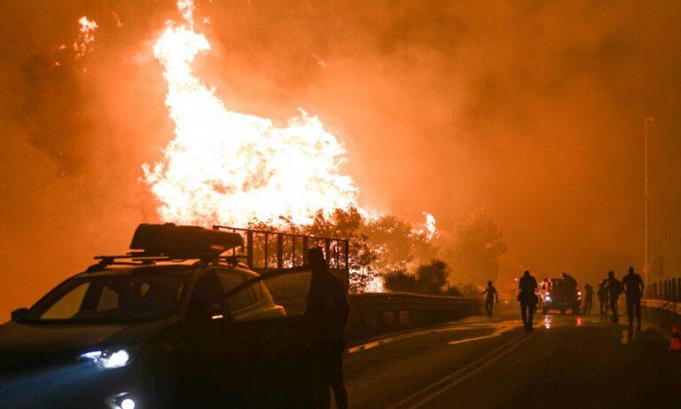 Φωτιά – Αττική: Εκκενώνονται Άγιος Στέφανος, Καπανδρίτι και Πολυδένδρι