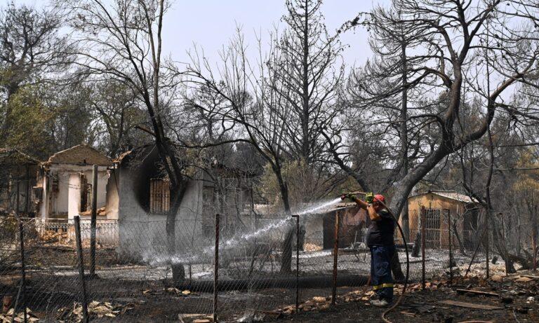 Φωτιά – Βαρυμπόμπη: Κοντά στο μέτωπο της πυρκαγιάς οι παρουσιαστές του GNTM