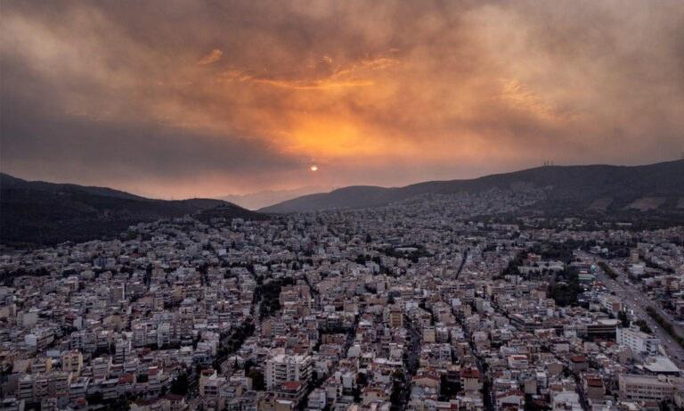 Φωτιά κόλαση σε Βαρυμπόμπη, Τατόι, Θρακομακεδόνες – Στάχτη δεκάδες σπίτια και χιλιάδες στρέμματα δάσους