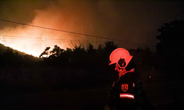 Φωτιά: Πέρασαν οι φλόγες στην Ιπποκράτειο Πολιτεία