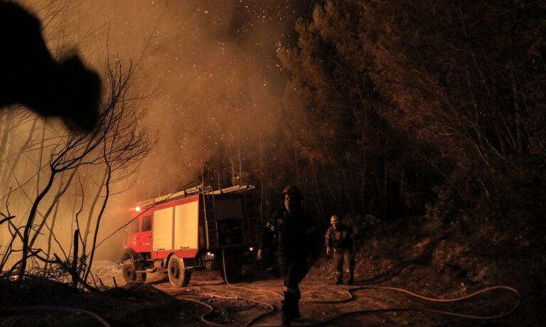 Φωτιά στην Αχαΐα: Ολονύχτια μάχη με τις φλόγες – 16 τραυματίες, «στάχτη» 20 σπίτια
