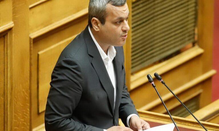 Αθλιότητα από τον βουλευτή του ΣΥΡΙΖΑ Χάρη Μαμουλάκη για την φωτιά στη Βαρυμπόμπη…