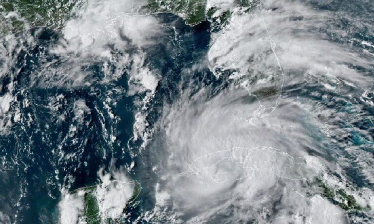 ΗΠΑ – Συναγερμός: Ο τυφώνας Άιντα κινείται απειλητικά προς τη Λουιζιάνα