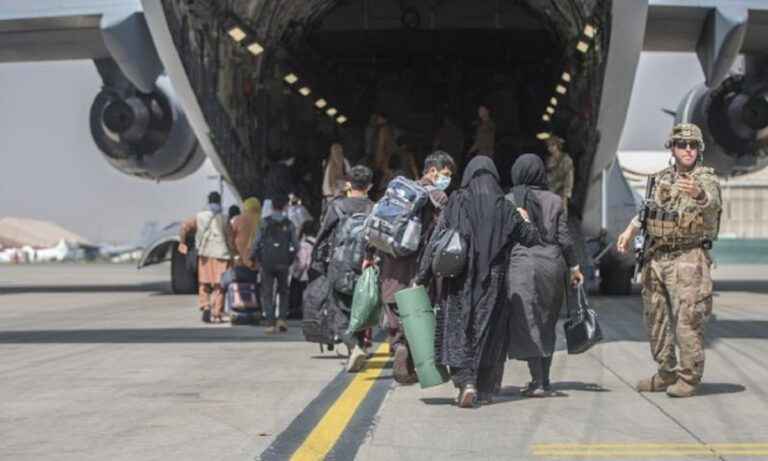 Αφγανιστάν: Εκτοξεύσεις ρουκετών κατά του αεροδρομίου της Καμπούλ!