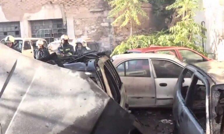 Φωτιά σε αυτοκίνητα στην Κυψέλη