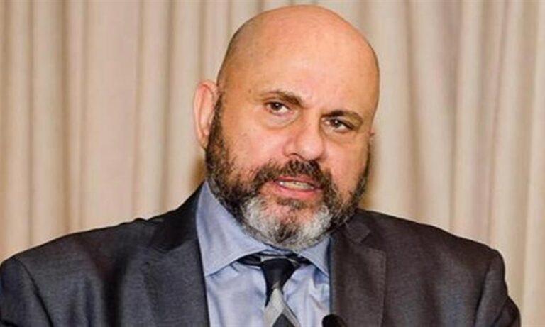 Δημήτρης Κούβελας: Αιχμηρό σχόλιο για την κυβέρνηση – «Ελπίζω να είναι όλοι… εμβολιασμένοι εκεί στις φωτιές…»
