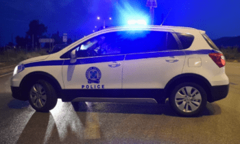 Ερέτρια: Θυμίζουμε ότι ο άτυχος άνδρας εντοπίστηκε μέσα στο αυτοκίνητο του λίγα μόλις μέτρα μακριά από το αστυνομικό τμήμα. Έφερε τραύματα από σφαίρες!, σύμφωνα με τις πρώτες πληροφορίες!