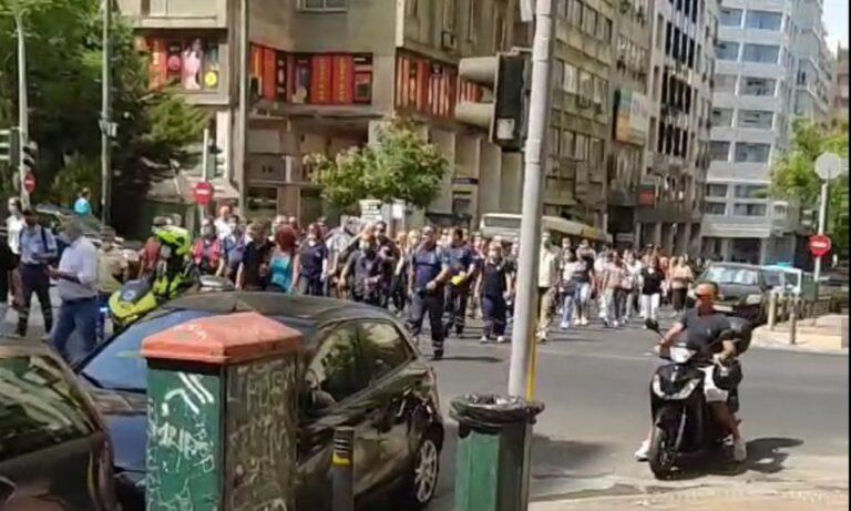 Κορονοϊός – Εμβόλια: Συγκέντρωση διαμαρτυρίας και πορεία υγειονομικών στο Yπουργείο Υγείας (vid & pics)