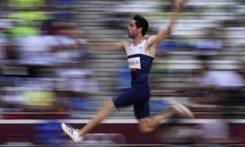 Ο Έλληνας Χρυσός Ολυμπιονίκης Μίλτος Τεντόγλου ανάγκασε ολόκληρο τον πλανήτη να υποκλιθεί στο ταλέντο του. Ένα ταλέντο, που ξεκίνησε απ΄ το παρκούρ.