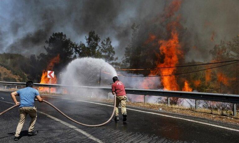 Τουρκία: Στους 8 οι νεκροί από τις καταστροφικές πυρκαγιές – Τα έβαλαν με τον Ερντογάν