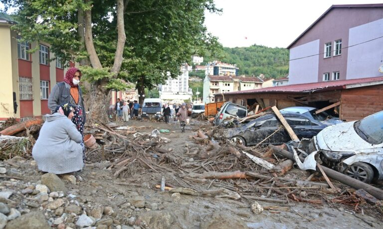 Σοκάρει το βίντεο από τις πλημμύρες στην Τουρκία