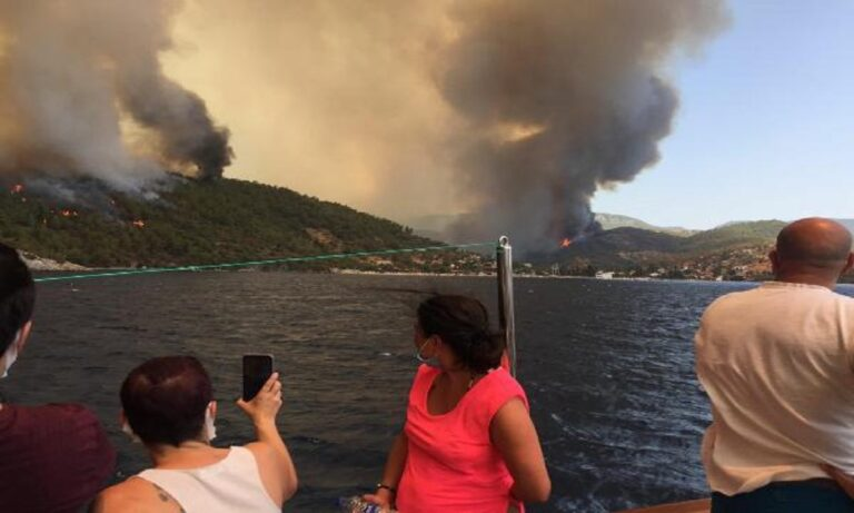 Τούρκοι: Θαυμασμός για την Ελλάδα – Έχουν 51 φωτιές και τις αντιμετωπίζουν μόνοι τους με 38 πυροσβεστικά