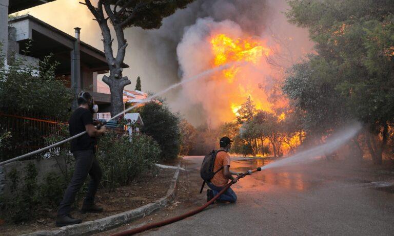 Φωτιά Βαρυμπόμπη: Δείτε ποιες περιοχές δεν έχουν ρεύμα εξαιτίας της πυρκαγιάς