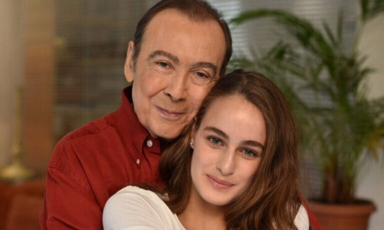 Η κόρη του Μαρία Βοσκοπούλου ανέβασε την πρώτη φωτογραφία μετά τον θάνατο του πατέρα της.