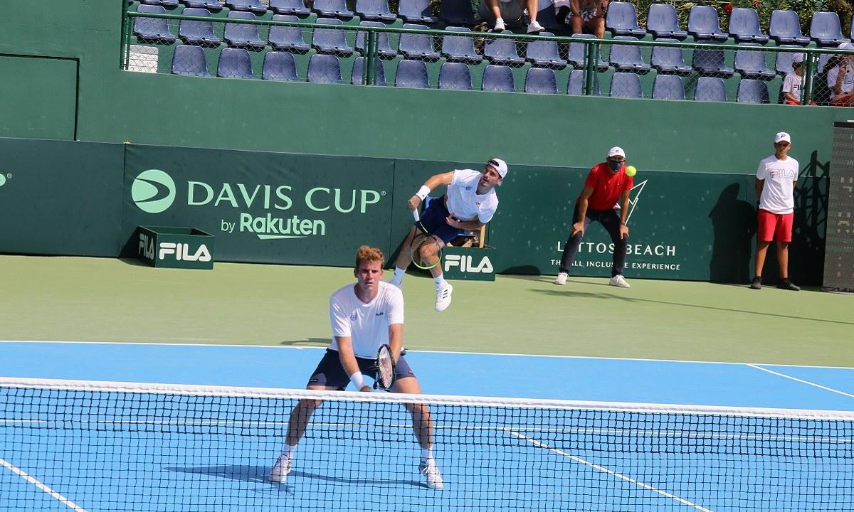 Πέτρος Τσιτσιπάς και Μάρκος Καλοβελώνης στο Davis Cup