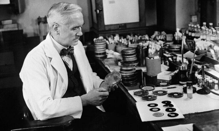 Σαν Σήμερα: Ο Φλέμινγκ φέρνει την… επανάσταση με την πενικιλίνη