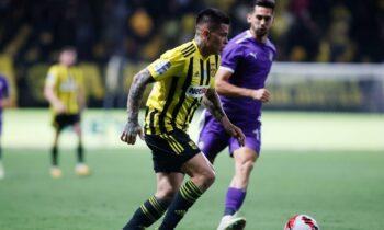 Στο πρώτο παιχνίδι για την δεύτερη αγωνιστική της Super League 1, o Ιωνικός και Άρης θα αναμετρηθούν στο γήπεδο της Νεάπολης.