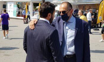 Ο πρόεδρος της ΠΑΕ Άρης κ. Καρυπίδης με τον Υπουργό Επικρατείας Γ. Γεραπετρίτη