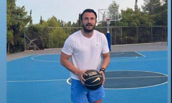 Ο Θόδωρος Καρυπίδης παίζει μπάσκετ