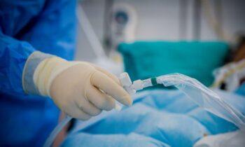 Κορονοϊός: Σύμφωνα με καταγγελία της ΕΙΝΑΠ, οι καθηγητές της ιατρικής της Αθήνας αποφάσισαν να μην δέχονται ασθενείς με τον ιό στις πανεπιστημιακές κλινικές.