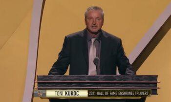 Ο Τόνι Κούκοτς σε δηλώσεις του για την είσοδο του στο Hall of Fame, ευχαρίστησε τους Τζόρνταν και Πίπεν για τα σκληρά «μαθήματα» που του έδωσαν.