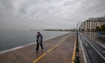 Κορονοϊός: Συναγερμός στη Θεσσαλονίκη - Μεγάλη διασπορά και φόβοι για lockdown