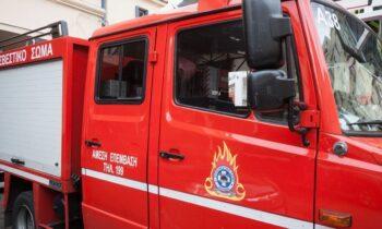 Στο σημείο της πυρκαγιάς στα Χανιά επιχειρούν επίγειες δυνάμεις