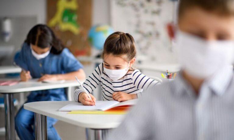 Αθηνά Λινού: Οι μαθητές πρέπει να κάνουν τα self tests μέσα στις σχολικές αίθουσες