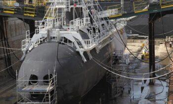 Φρεγάτες: Άρχισε να δίνει δουλειές σε ελληνικές εταιρείες η NAVAL GROUP - Ελληνική εταιρεία θα βάψει γαλλικό πυρηνικό υποβρύχιο.