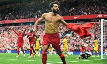 Πανηγυρίζει ο Σαλάχ μετά από άλλο ένα γκολ του στην Premier League