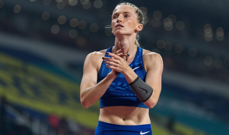 Δεν έχει πολλές ημέρες που η Αντζέλικα Σιντόροβα είχε μπει στο κλειστό κλαμπ των αθλητριών που έχουν υπερβεί τα 5 μέτρα στο επί κοντώ.