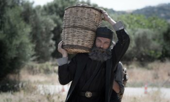 «Ο άνθρωπος του Θεού»: Οι κινηματογράφοι σε όλη την Ελλάδα που παίζεται η ταινία αυτή την εβδομάδα