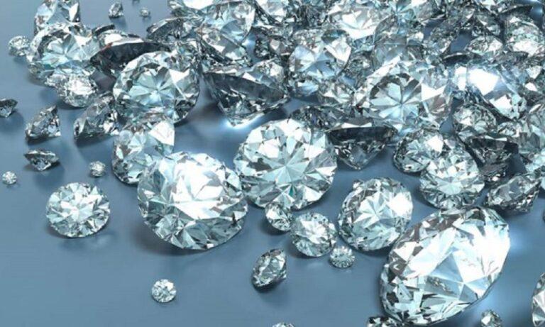 Απάτη με διαμάντια σε βάρος γυναίκας στον Βόλο. Ένας άγνωστος της ζήτησε να της στείλει δήθεν για φύλαξη, κι έτσι της «έφαγαν» 12.000 ευρώ!