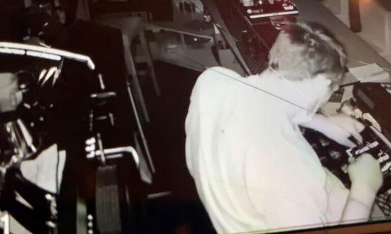 Αγρίνιο: Άνοιξε και έκλεψε καταστήματα αλλά τον «τσάκωσαν» στην κάμερα! (vid)