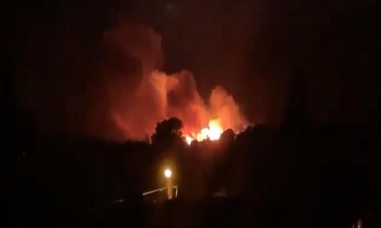 Νέα Μάκρη: Φωτιά κοντά σε σπίτια και στο μοναστήρι του Αγίου Εφραίμ