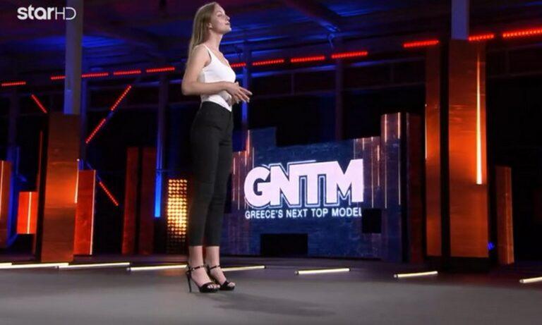 GNTM: Παίκτρια – σωσίας της Michelle Pfeiffer εξομολογήθηκε ότι παθαίνει κρίσεις πανικούς! (vid)