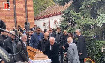 Κηδεία Ίβκοβιτς: Σήκωσαν το φέρετρο Ομπράντοβιτς, Ντίβατς και Ράτζα! (vid)
